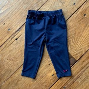 Nike Capri pants navy size 6
